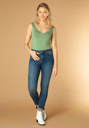 Top - soft green