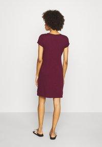 GAP - TEE DRESS - Žerzejové šaty - ruby wine - 3