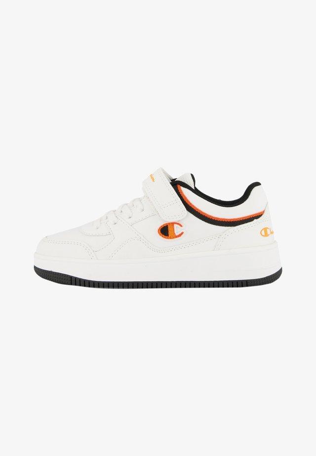 Trainers - white and orange