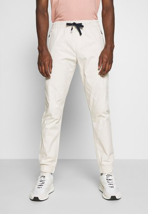 SCANTON JOGGER DOBBY PANT - Tracksuit bottoms - light silt