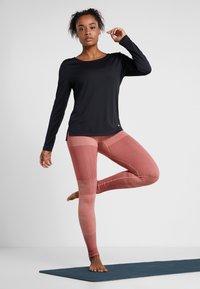 Nike Performance - DRY ELASTIKA - Funktionsshirt - black/white - 1