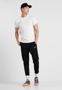 Nike Performance - DRY ACADEMY - Print T-shirt - white/black - 1