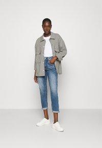 Herrlicher - GILA CONIC RECYCLED - Straight leg jeans - retro marvel - 1