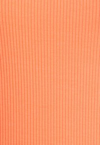 Scotch & Soda - FITTED SQUARE NECK TEE - T-shirt basic - salmon - 2