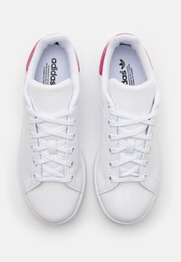 adidas Originals - STAN SMITH SPORTS INSPIRED SHOES - Sneakersy niskie - footwear white/bold pink - 3