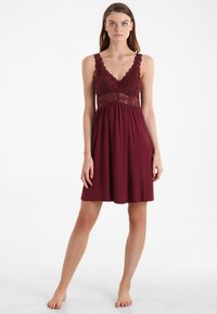 Hunkemöller - Nightie - windsor wine - 1