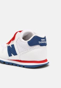 New Balance - IV500WRB UNISEX - Trainers - white/red - 4