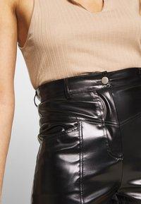 Missguided - STITCH DETAIL - Shorts - black - 4