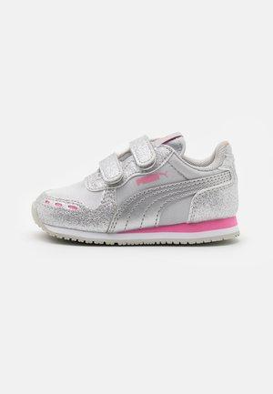 CABANA RACER GLITZ  - Sneakers basse - silver/sachet pink