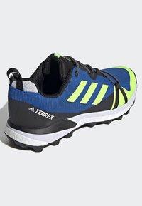 adidas Performance - TERREX SKYCHASER LT HIKING SHOES - Hiking shoes - blue - 4