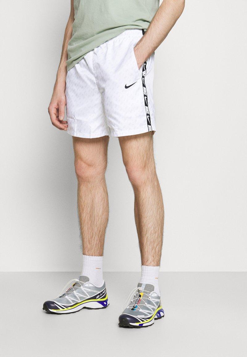 Nike Sportswear - REPEAT - Shorts - white/black