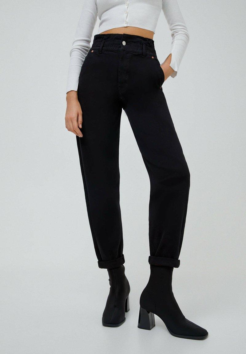 PULL&BEAR - PAPERBAG - Jeans baggy - black