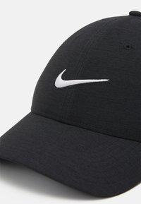 Nike Golf - NOVELTY - Cap - black/dark smoke grey/white - 3