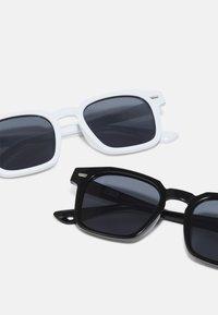 Urban Classics - UNISEX 2 PACK - Sunglasses - black/white - 2