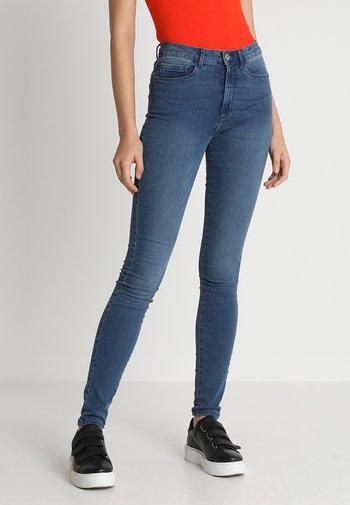 ONLROYAL - Jeansy Slim Fit - medium blue denim