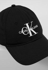Calvin Klein Jeans - MONOGRAM WITH EMBROIDERY - Kšiltovka - black - 6