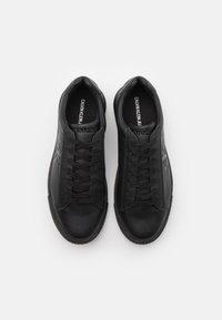 Calvin Klein Jeans - CHUNKY SOLE LACEUP - Matalavartiset tennarit - black - 3