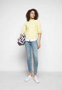 Polo Ralph Lauren - VIONA - Skinny džíny - light indigo - 1