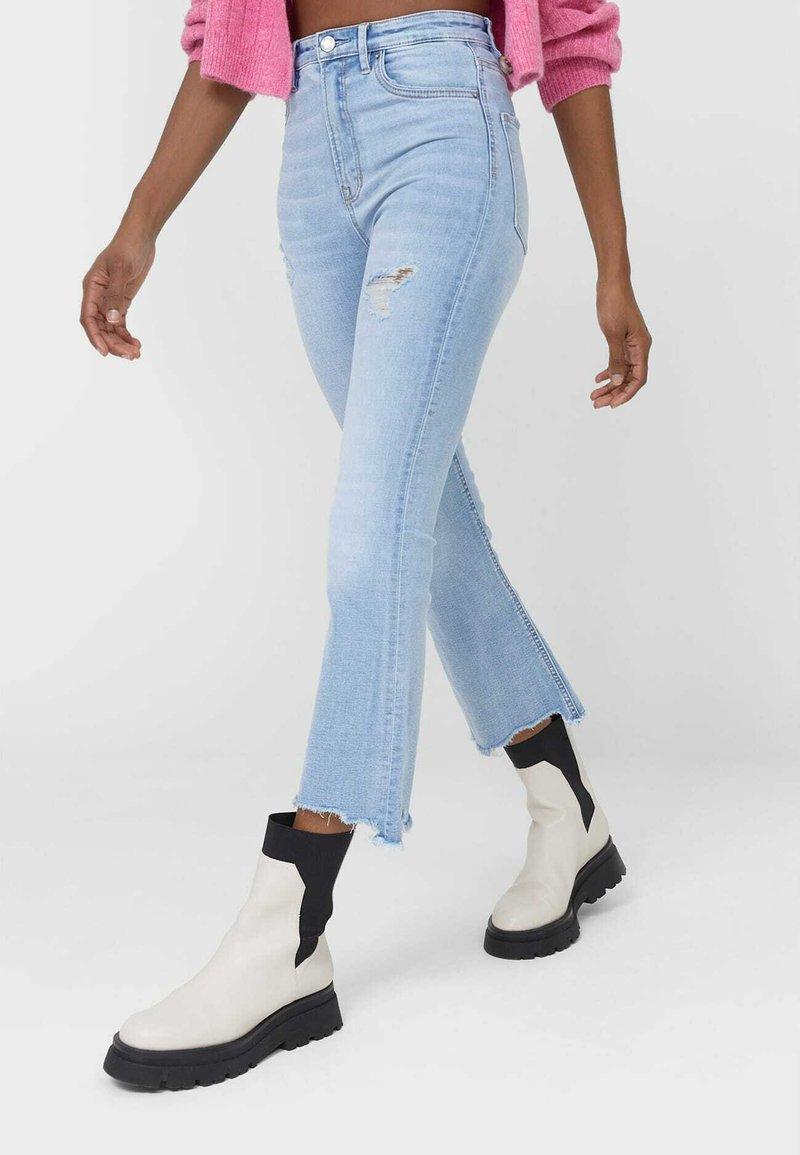 Stradivarius - Slim fit jeans - light blue