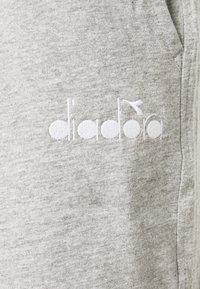 Diadora - SHORT CORE - Pantalón corto de deporte - light middle grey melange - 2
