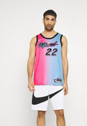 NBA MIAMI HEAT JIMMY BUTLER CITY EDITION SWINGMAN  - Club wear - laser fuchsia/blue gale/black