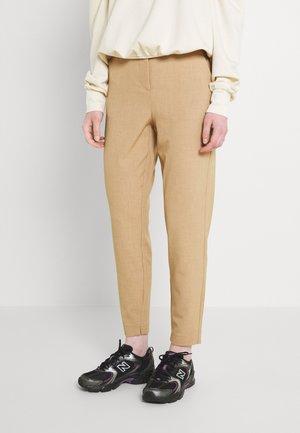 DANTA PANTS CROP - Bukse - tannin melange