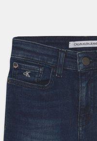Calvin Klein Jeans - SLIM  - Slim fit jeans - essential night blue - 2