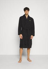 Lyle & Scott - LUCAS - Dressing gown - black - 1