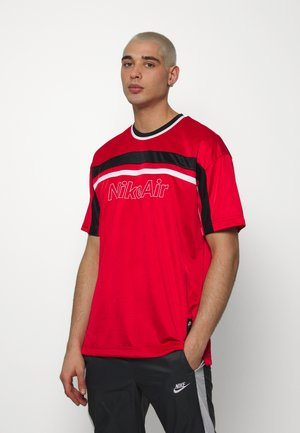 NSW NIKE AIR - T-shirt con stampa - university red/black/white