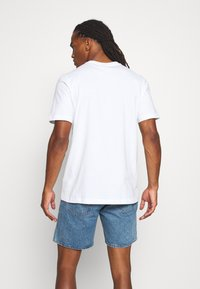 adidas Originals - TEE - T-shirt med print - white - 2