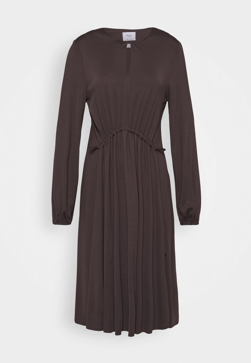 Marc O'Polo PURE - DRESS DRAPY DRAW FRONT DETAIL FEMININ SLEEVES - Jerseykjoler - mocca brown