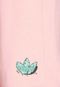 adidas Originals - UNISEX - Shorts - glow pink - 2