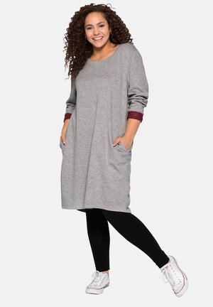 Day dress - heather gray-red