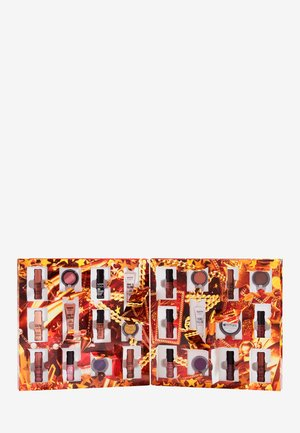 GIMME SUPER STARS 24 HOLIDAY COUNTDOWN ADVENT CALENDAR - Calendario dell'Avvento - -