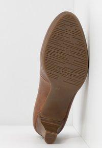 Tamaris - Platform heels - muscat - 5