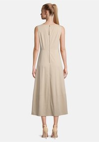 Vera Mont - Day dress - feather gray - 1