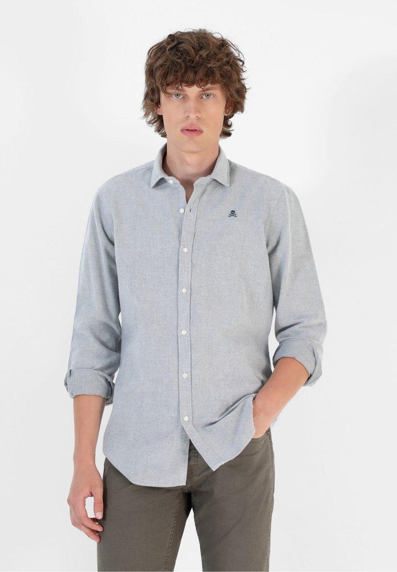 Scalpers - SLIM FIT OXFORD - Shirt - khaki