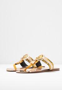 River Island Wide Fit - Sandály s odděleným palcem - yellow - 4