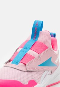 Reebok - XT SPRINTER SLIP - Neutral running shoes - classic pink/white/electro pink - 5