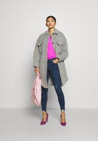 Dorothy Perkins - NIBBLE DARCY - Jeans Skinny Fit - indigo - 1