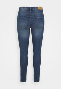 ONLY Carmakoma - CARFLORIA LIFE SKINNY  - Jeans Skinny Fit - medium blue denim - 6