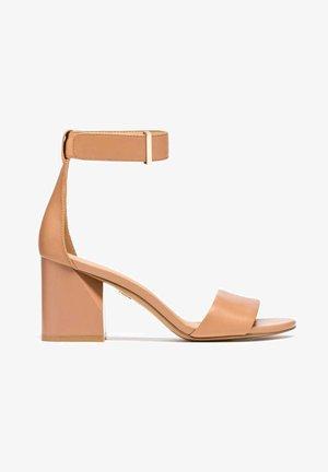 DOREEN - Sandalen - beige