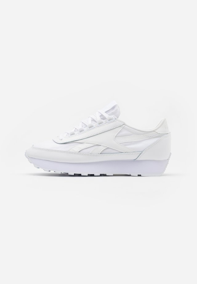 AZ PRINCESS - Zapatillas - white/light solid grey/excellent red