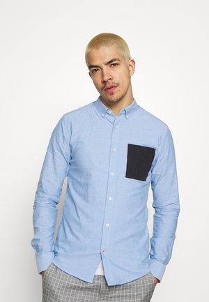 ONSALVARO LIFE CONTRAST OXFORD - Camicia - cashmere blue