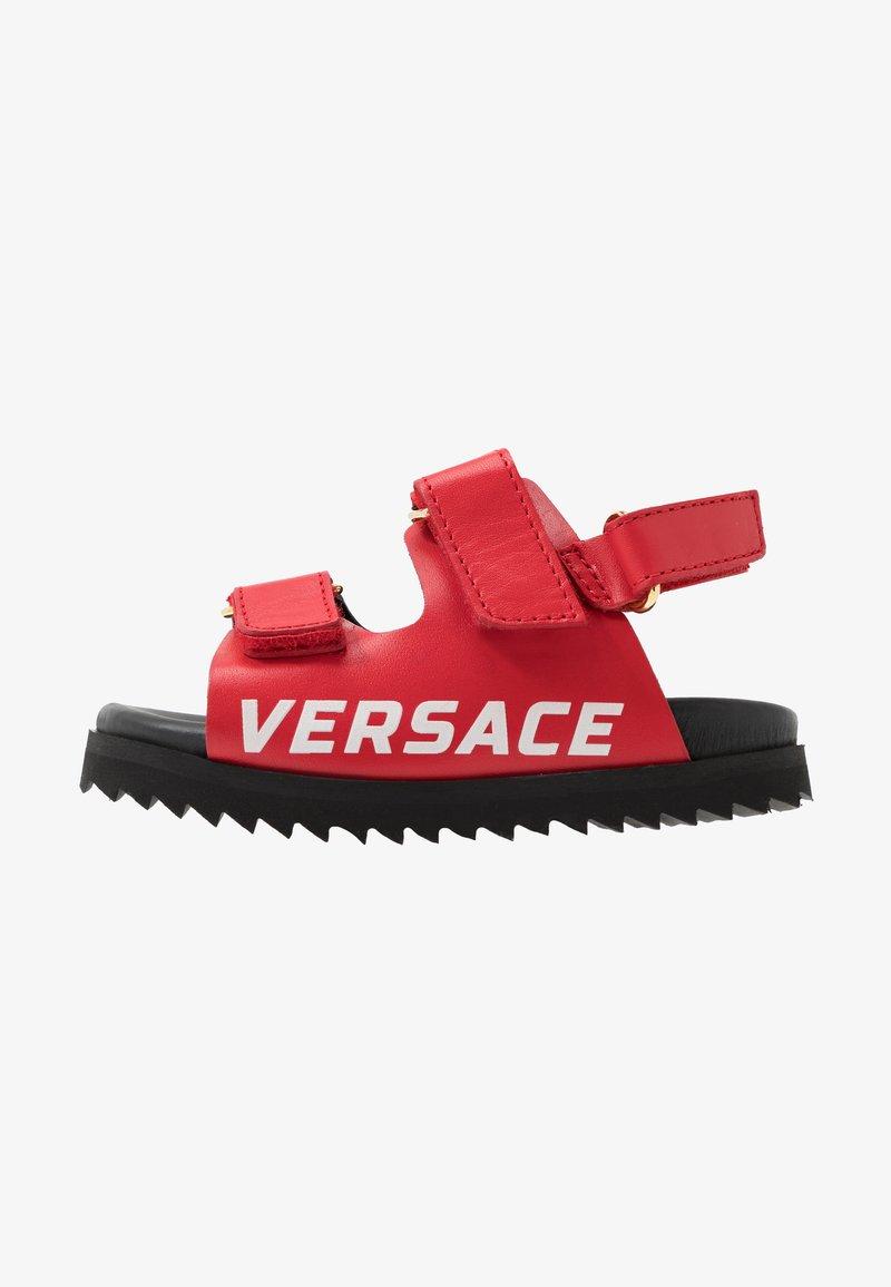 Versace - LOGO - Sandaalit nilkkaremmillä - passion/oro caldo
