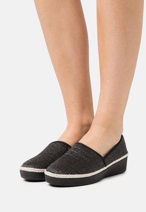 CASA LOAFERS - Loaferit/pistokkaat - black