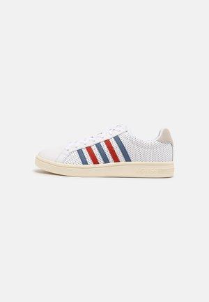 COURT TIEBREAK - Sneakers - white/blue horizon/red clay/antique white