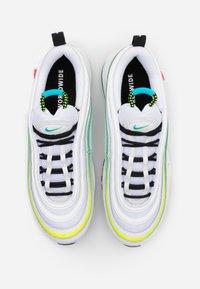 Nike Sportswear - AIR MAX 97 UNISEX - Sneakersy niskie - white/blue fury/volt/black/summit white/flash crimson - 5