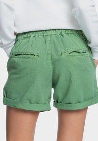 Roxy - LIFE IS SWEETER - Shorts - vineyard green - 2