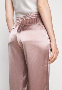 Allen Schwartz - KENLEY PANT - Trousers - mink - 5